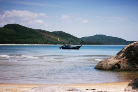 Loc Binh Beach