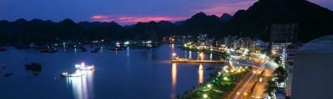 Cai Ba by night, Hai Phong