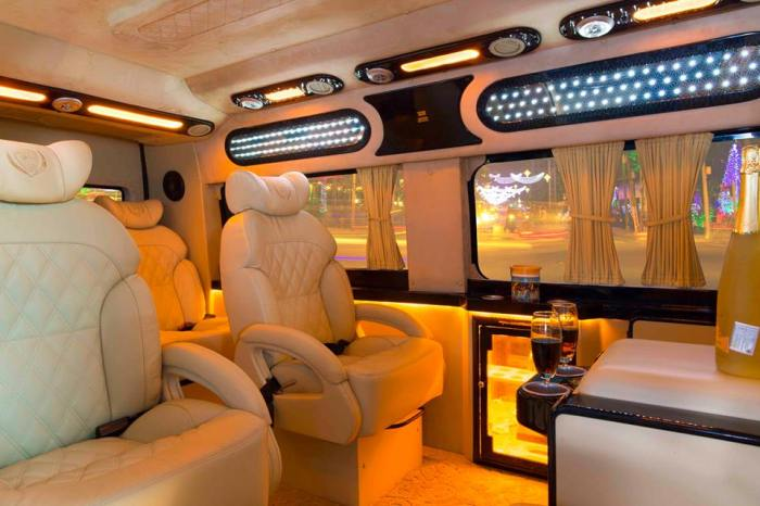 Vietnam luxury limousine car transfers