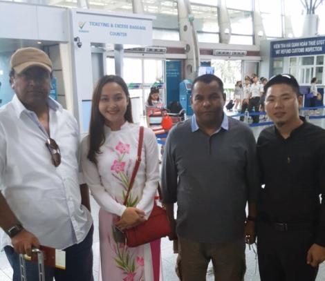 Sir Alkamali Mohammad and Danang Private Car Team
