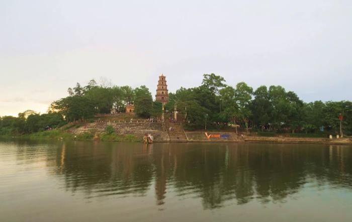 Thien Mu Pagoda Sunset